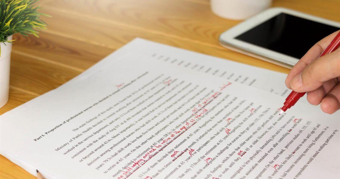 O que a correção de texto faz com seu trabalho